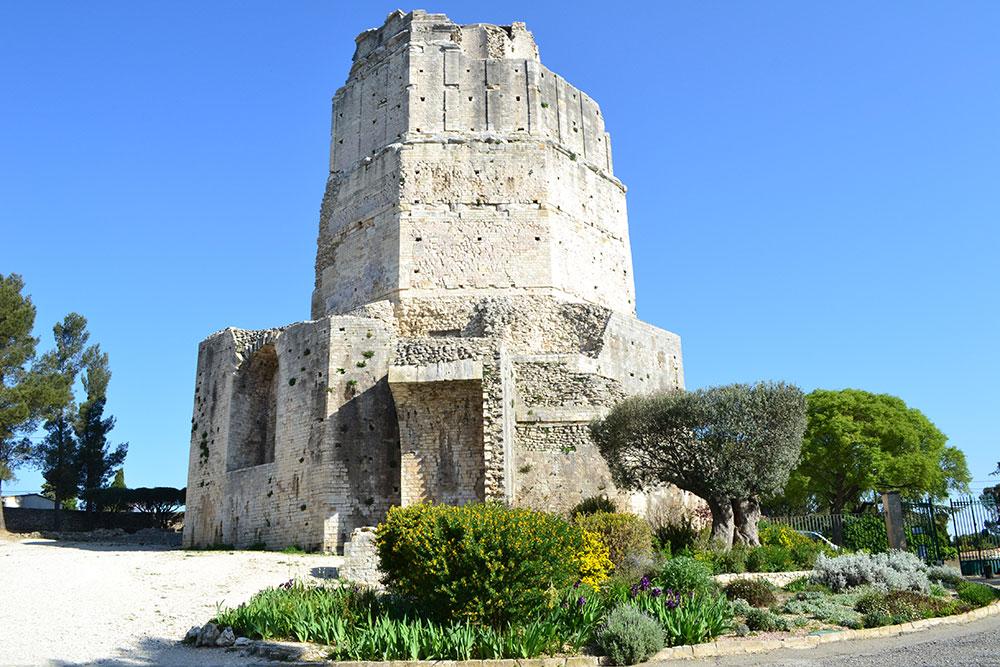 Nîmes Tour Magne